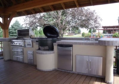 Outdoor Kitchen Grill & Green Egg